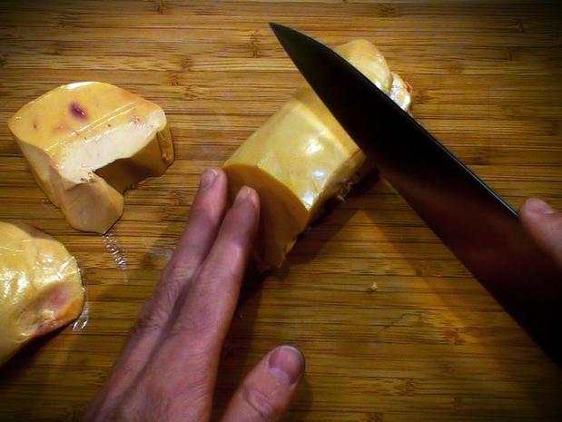 Préparer un foie gras frais pour le poêler