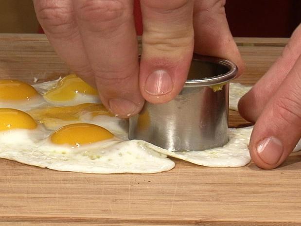 Cuire et parer des oeufs de caille